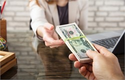 The latest trends in employee bonuses